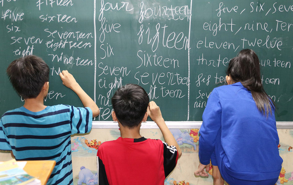 Young man brings joy of learning to poor kids in Ho Chi Minh City