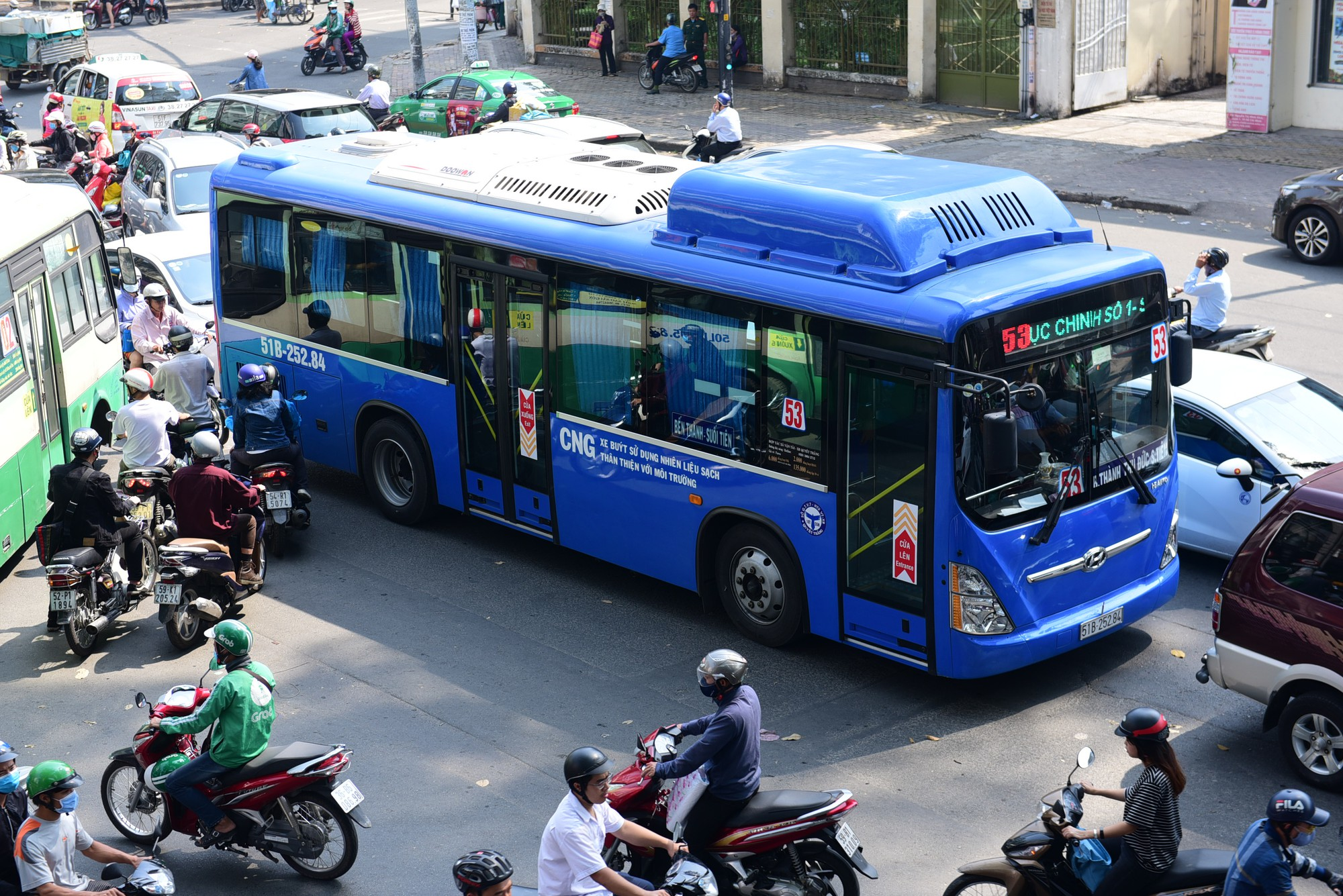 Ho Chi Minh City proposes new minibus service with app booking