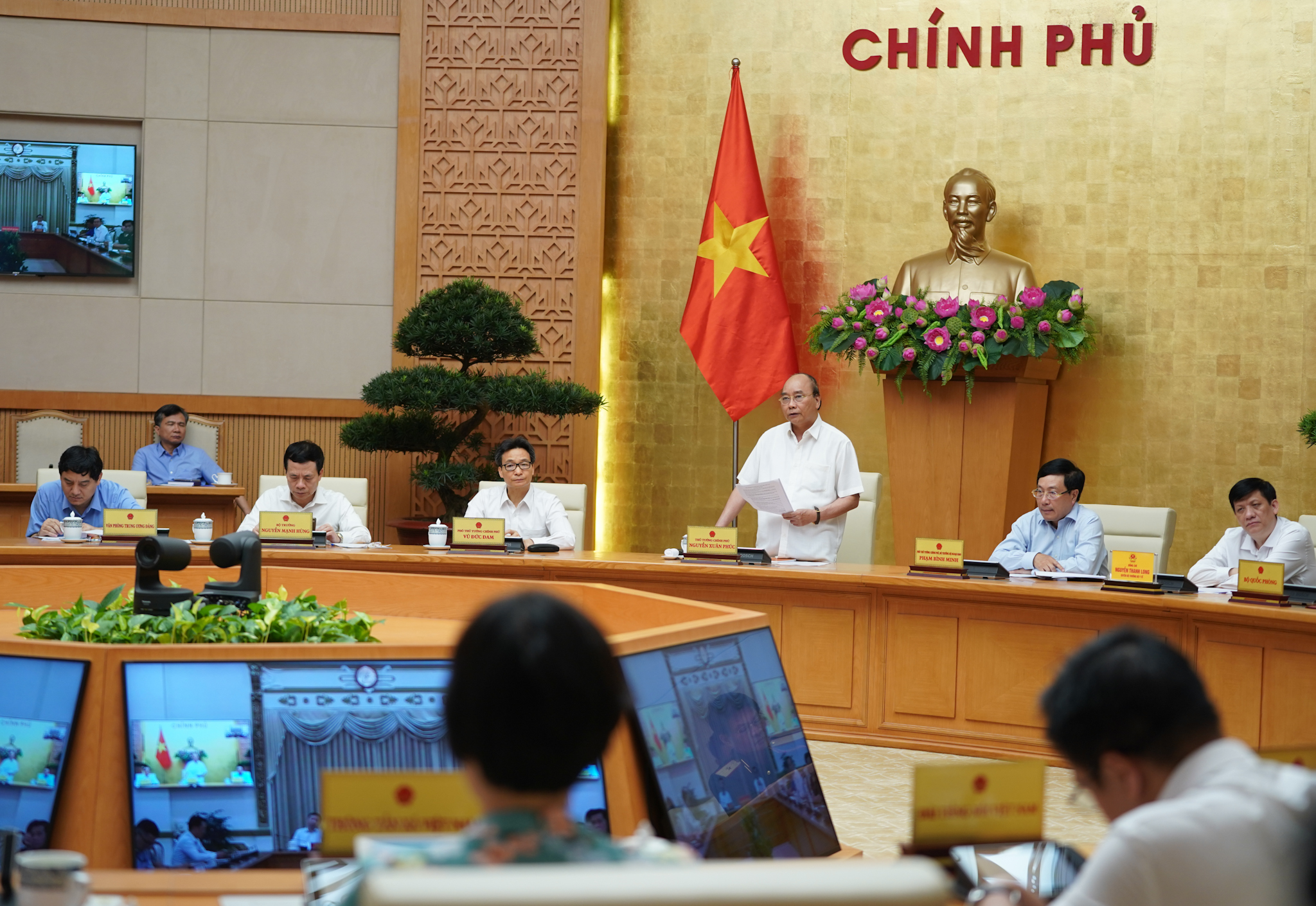 PM orders repatriation of Vietnamese workers with COVID-19 from Equatorial Guinea