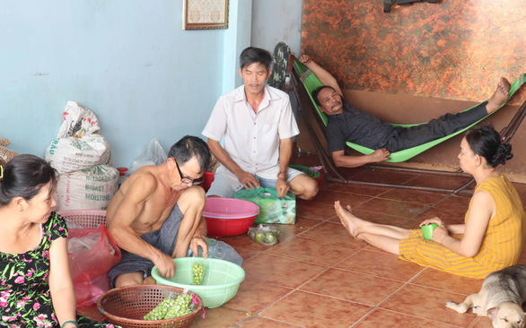 The cosy atmosphere at a cheap shared home in Tan Phu District, Ho Chi Minh City, Vietnam, with subtenants being helpful and tolerant toward one another while living temporarily under the same roof. Photo: Le Van / Tuoi Tre