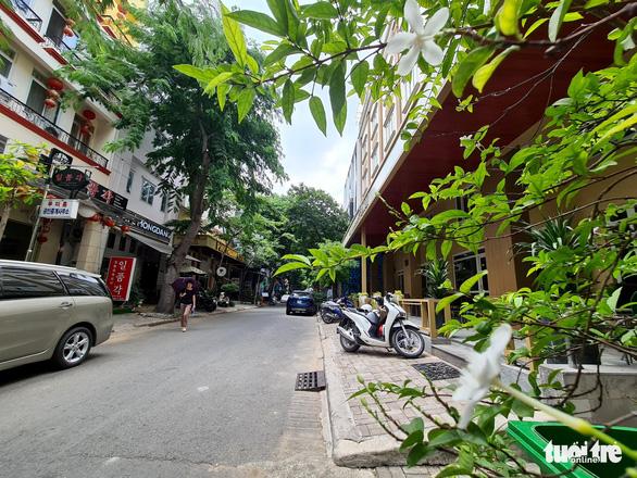 A near-empty street in Tan Phong Ward, District, Ho Chi Minh City, July 19, 2020. Photo: Ngoc Hien / Tuoi Tre