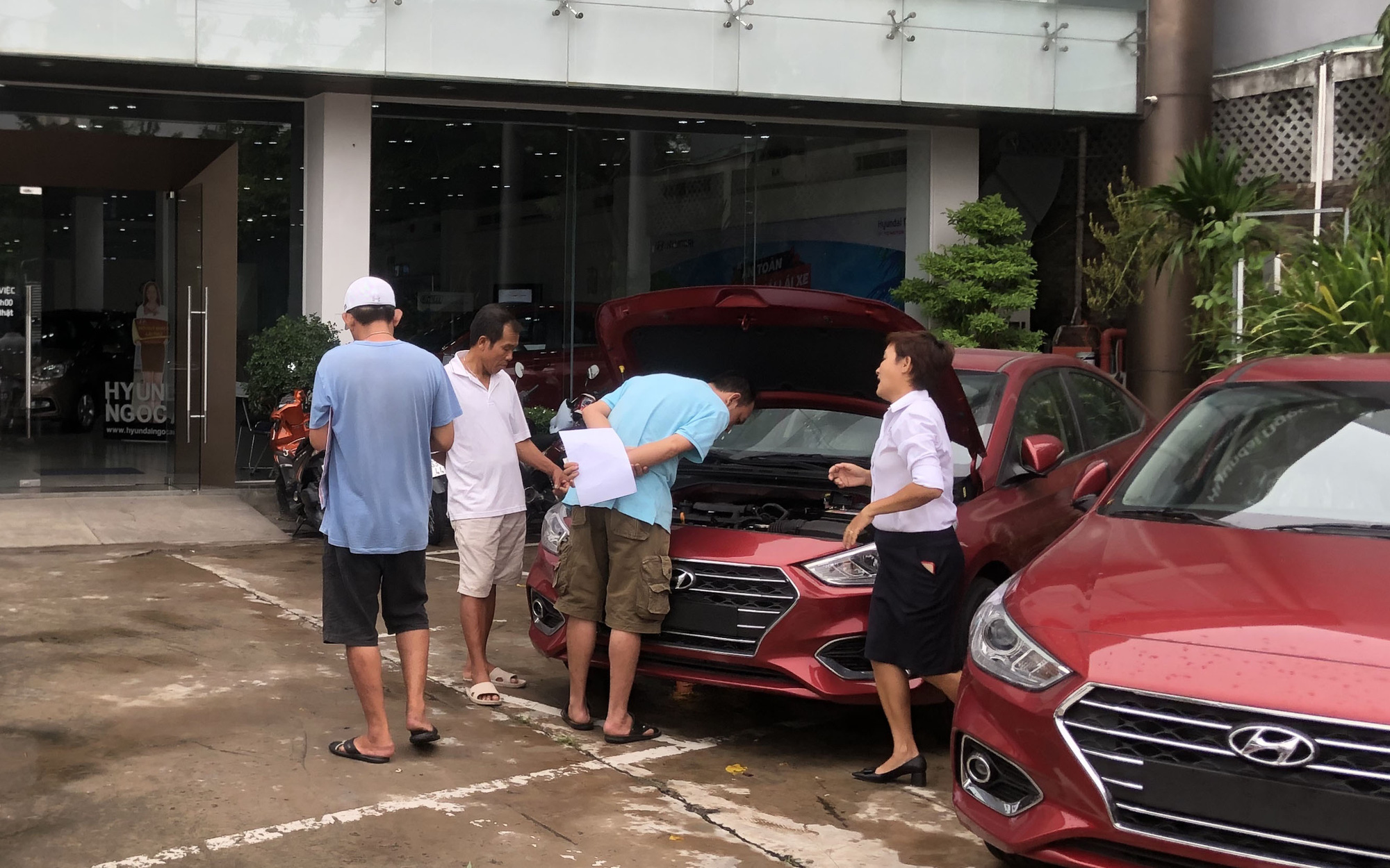 Number of bank repossessed cars rises in Vietnam due to COVID-19 pandemic