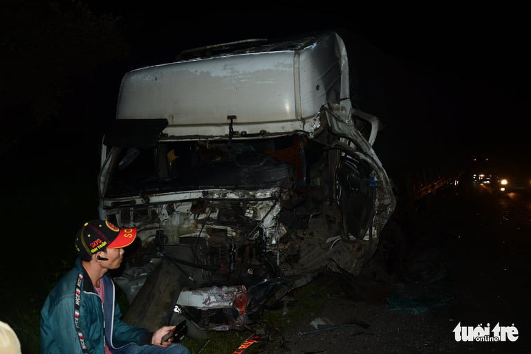 The front of a truck is damaged following a collision with a coach in Binh Thuan Province, Vietnam, July 21, 2020. Photo: Duc Trong / Tuoi Tre