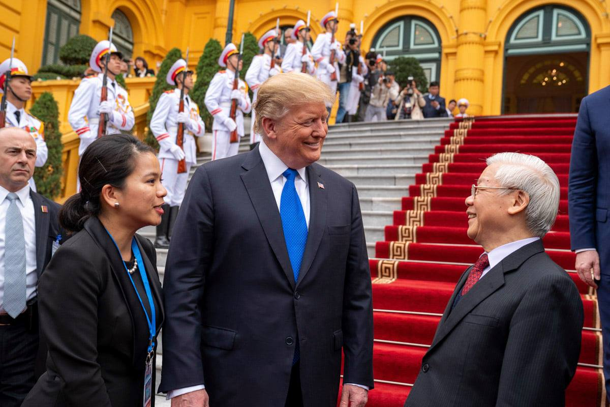 Vietnamese Party General Secretary and State President Nguyen Phu Trong (right) receives U.S. President Donald Trump in Hanoi, Vietnam, February 2019. Photo: U.S. Embassy in Hanoi