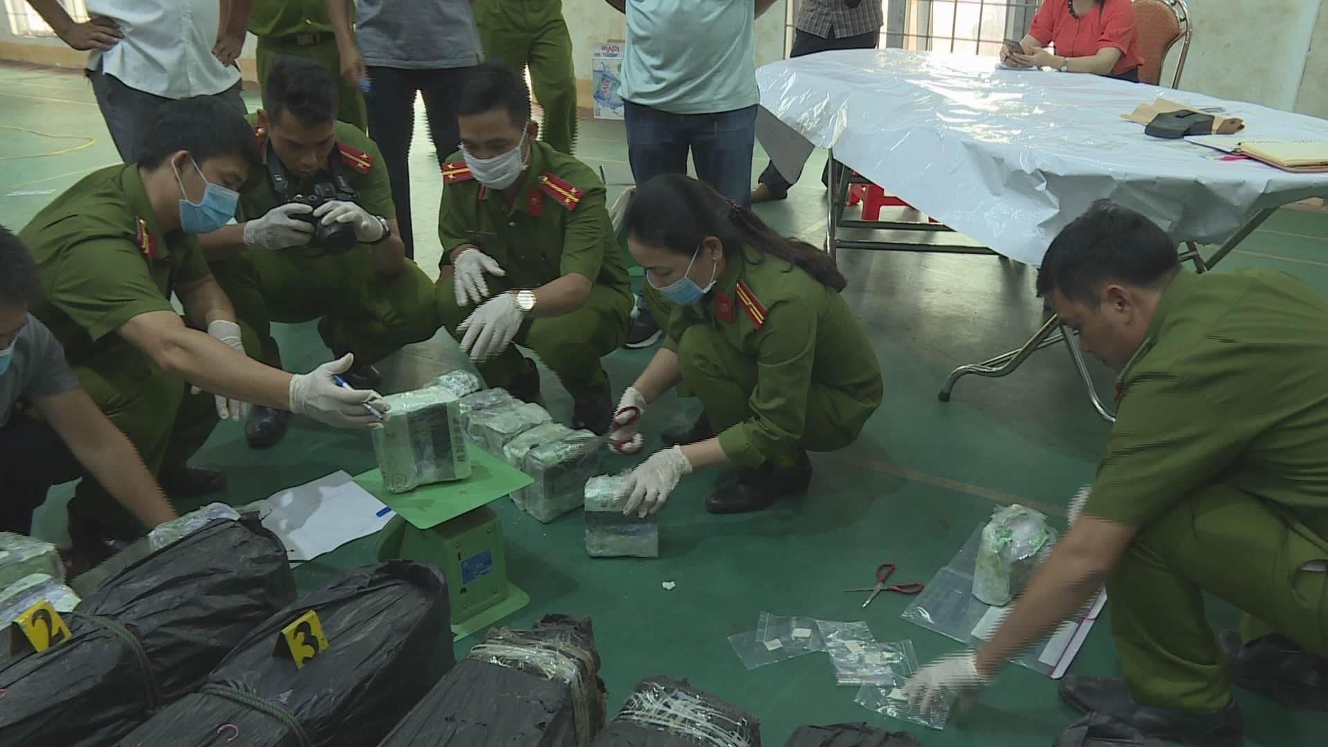 Two arrested for trafficking 200kg of crystal meth in Vietnam's Central Highlands