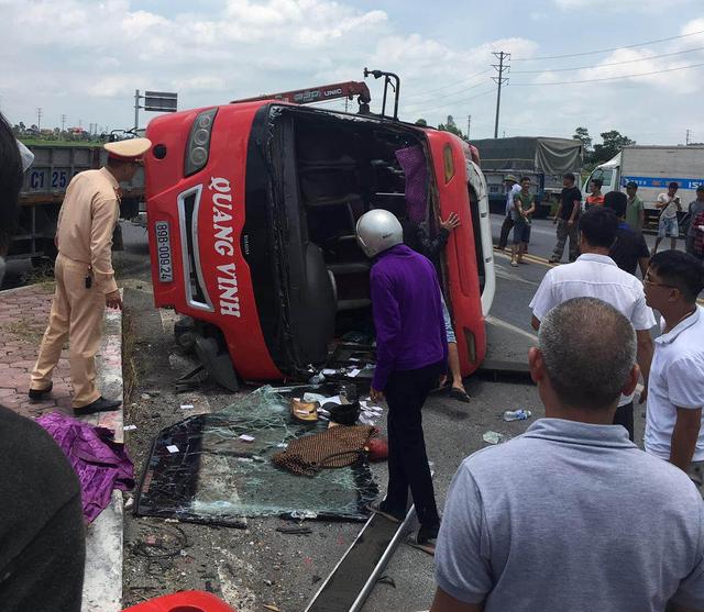 2 killed, 2 injured as truck hits passenger bus in northern Vietnam