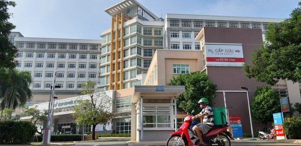 Hospital in Ho Chi Minh City stops admitting patients over COVID-19 concerns