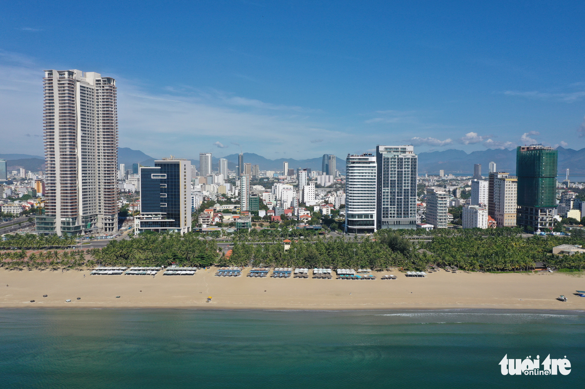 In this aerial photo, no one can be spotted on a beach in Da Nang City, Vietnam during a period of enhanced social distancing to curb the latest wave of novel coronavirus disease (COVID-19), July 29, 2020. Photo: Tan Luc / Tuoi Tre