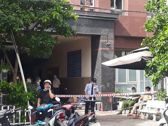 Ho Chi Minh City seals off entire apartment block, alley as COVID-19 cases suspected