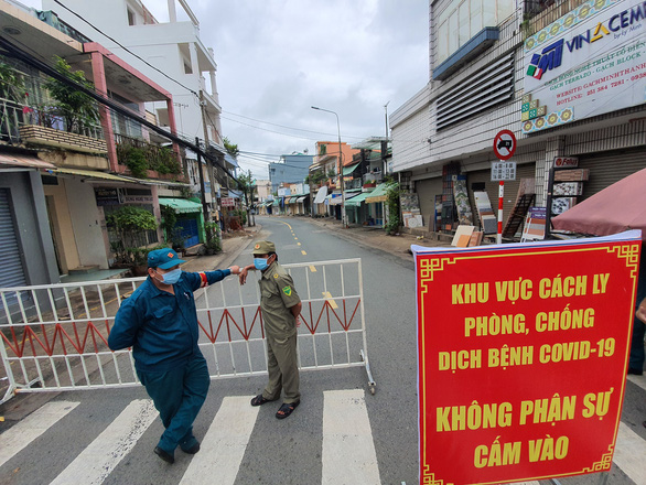 City near Saigon seals off residential area over one COVID-19 case