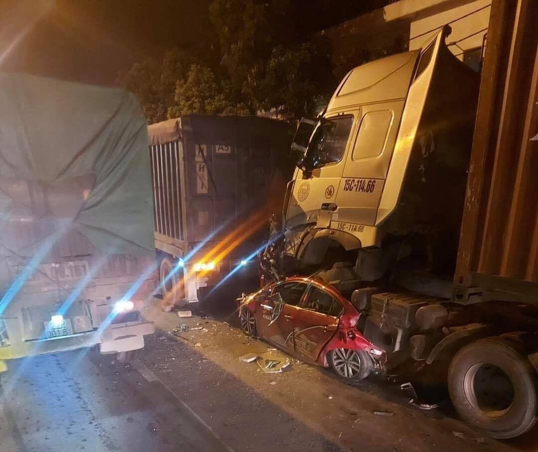 Three killed as trailer truck crushes car stopping at red light in Hanoi
