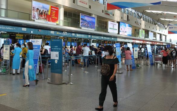 Da Nang to send stranded visitors back to Hanoi, Saigon on two flights