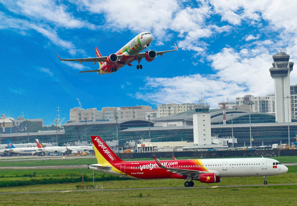 Vietnamese airlines post quarterly losses due to COVID-19