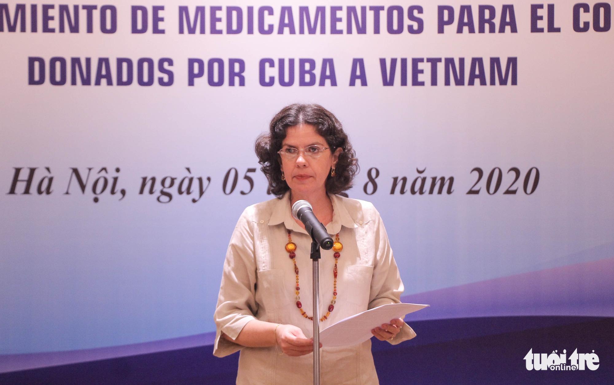Cuban Ambassador to Vietnam Lianys Torres Rivera speaks at an aid handover ceremony in Hanoi, August 5, 2020. Photo: Hong Quan / Tuoi Tre