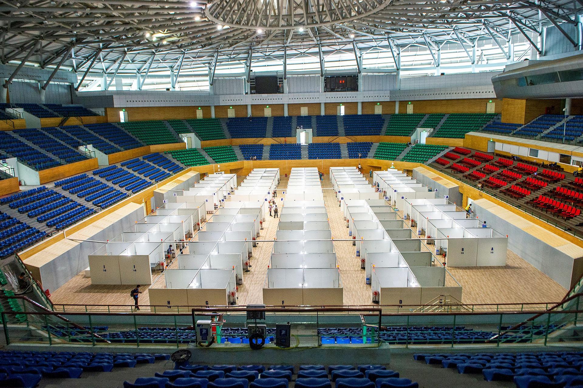 Vietnam turns Da Nang stadium into field hospital amid virus outbreak