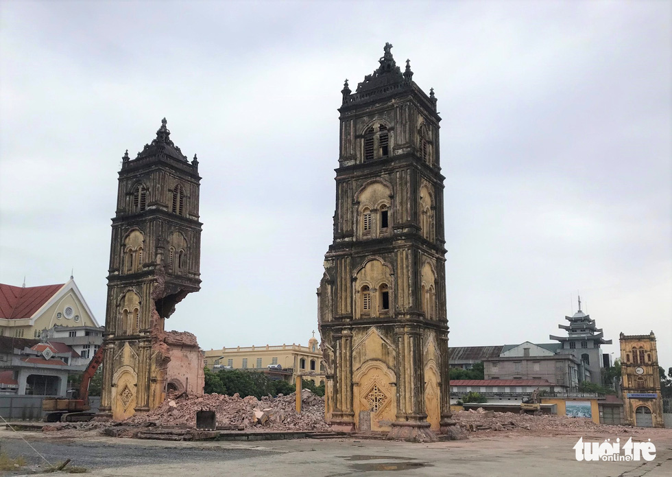 Vietnam's 135-yo cathedral demolished to make way for replacement