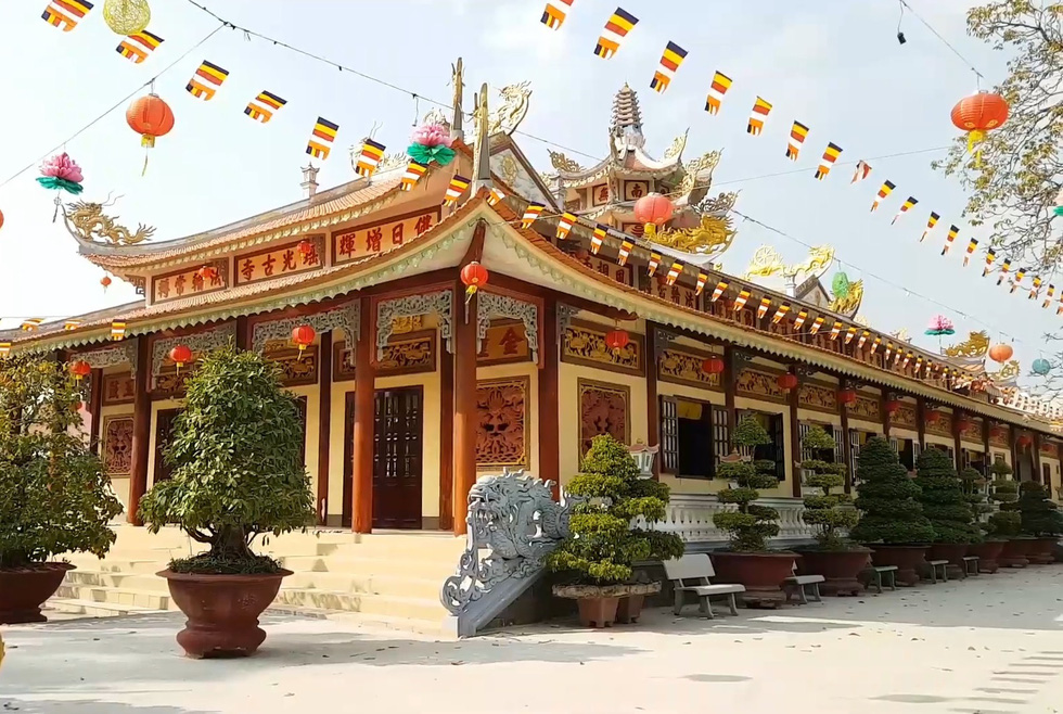 Young director introduces over 130 Vietnamese temples in ambitious YouTube series