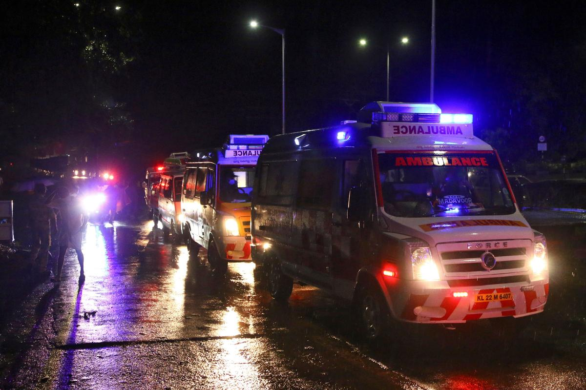 Rows of ambulances are seen outside the Calicut International Airport where a passenger plane crashed after it overshot the runway in Karipur, in the southern state of Kerala, India, August 7, 2020. Photo: Reuters