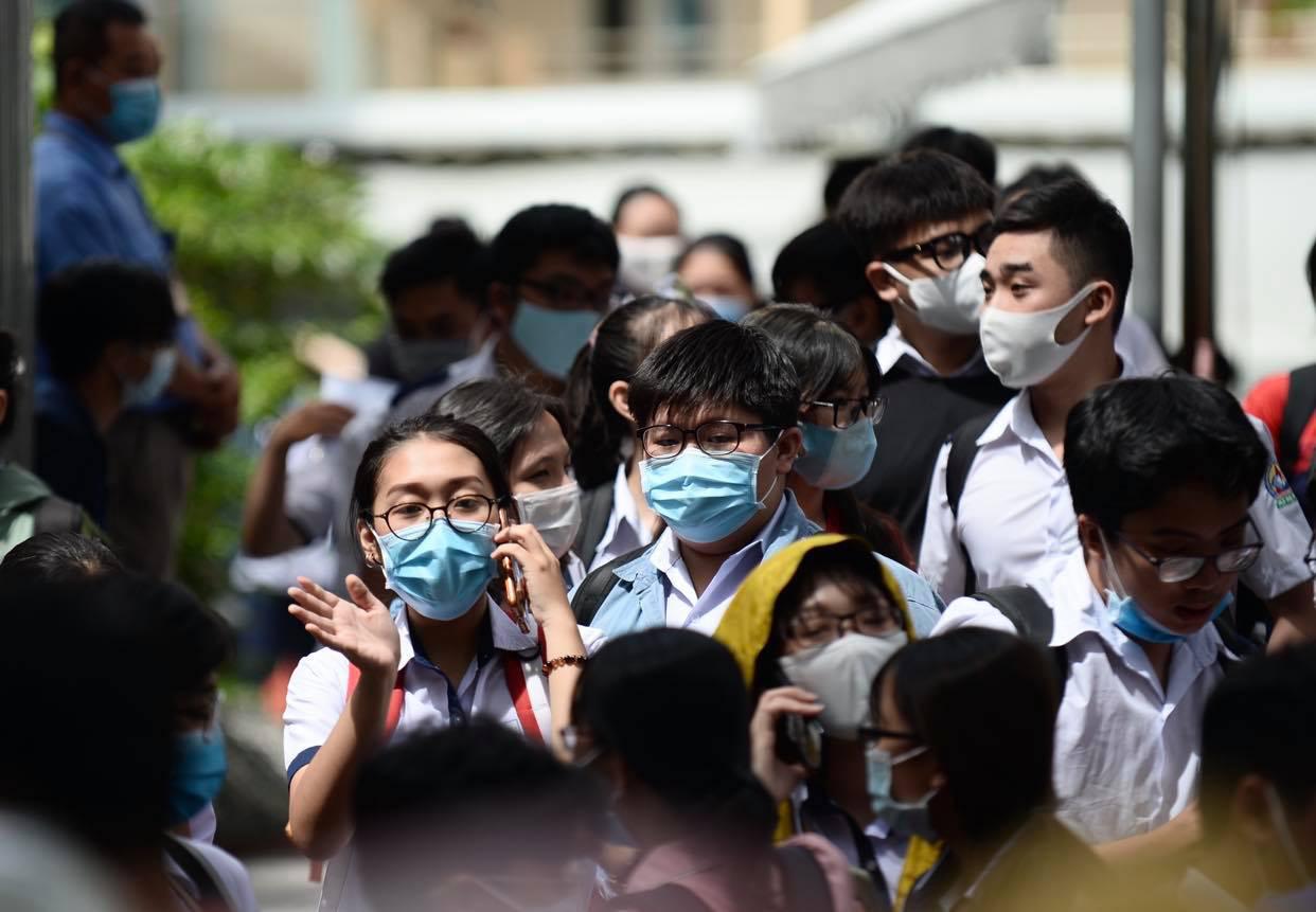 Vietnam's national high school exam begins amidst COVID-19 epidemic