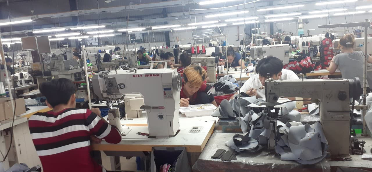 Workers are seen assembling clothes at a garment factory in Thu Duc District of Ho Chi Minh City. Photo: M.L. / Tuoi Tre