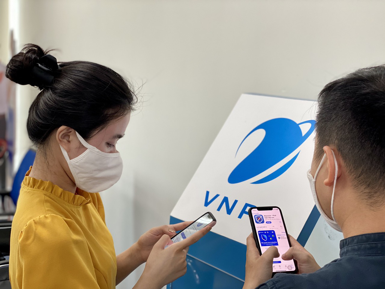 Vietnam mobile carriers offer free data to boost contact-tracing app usage