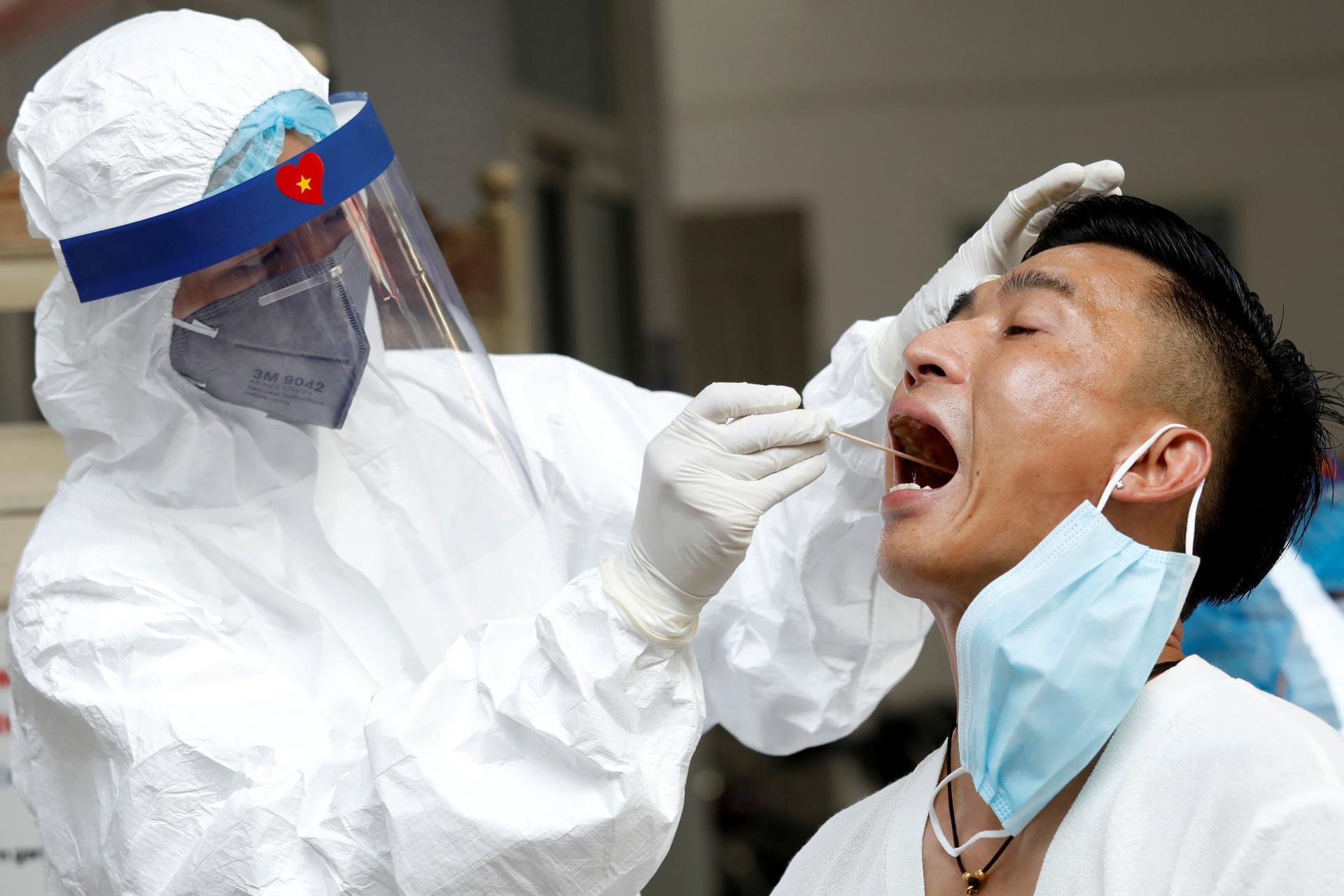Vietnam to buy Russian COVID-19 vaccine