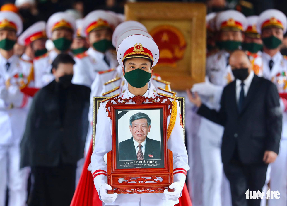 Vietnam holds state funeral for former Party General Secretary