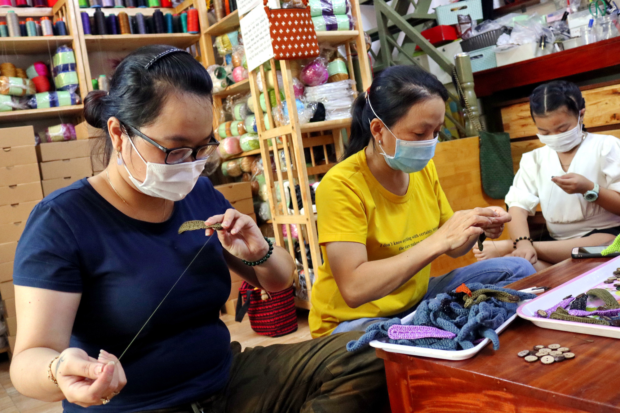 Hand-knitted 'ear savers' donated to Vietnam's COVID-19 frontline workers