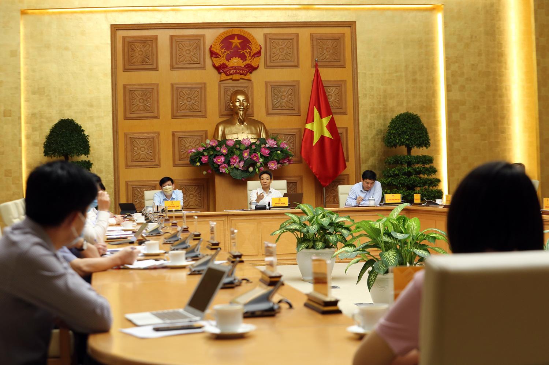 Vietnam considers mandating installation of COVID-19 contact-tracing app