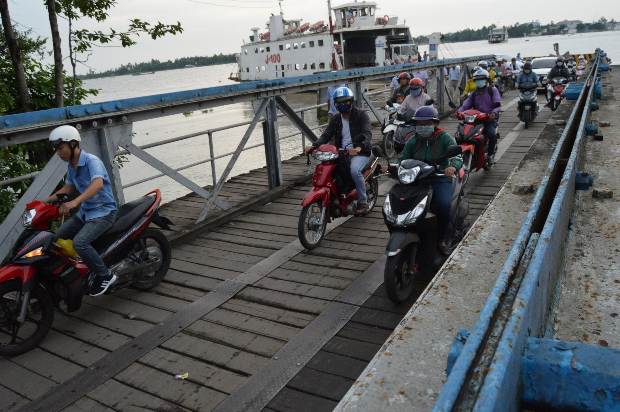 Vietnam province shuts down century-old ferry
