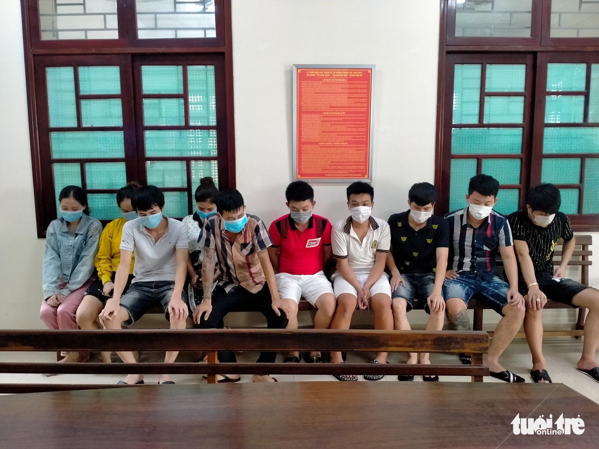 Ten caught using drugs at birthday party despite social distancing in Da Nang