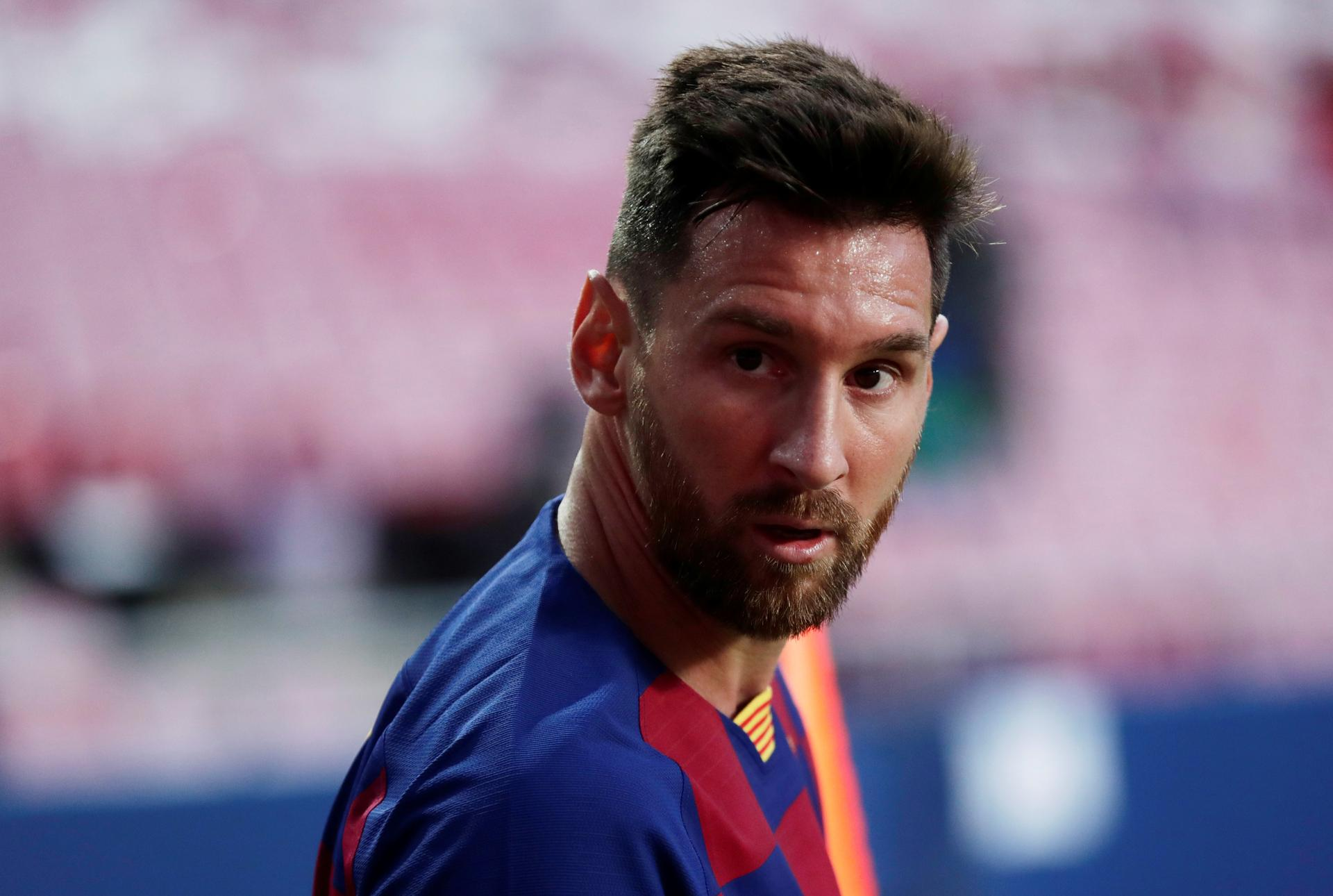 Barca in new turmoil after Messi tells club he wants to leave