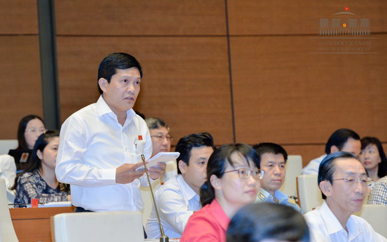 Vietnam to probe 'foreign citizenship' status of lawmaker