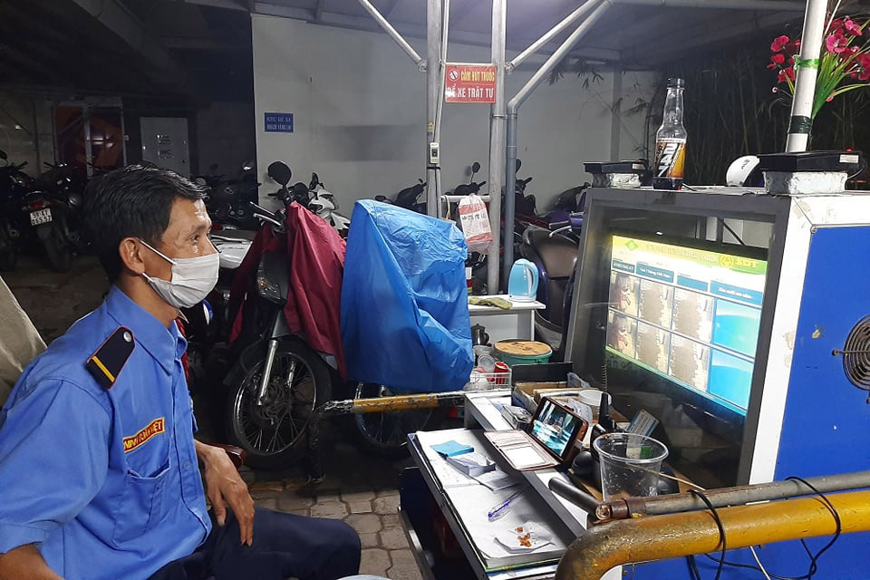Beyond 9 to 5: Night shift workers stretch stamina for living in Saigon
