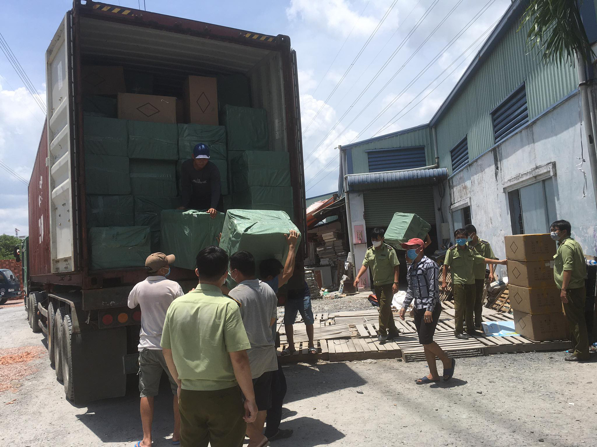 Warehouse storing goods allegedly trafficked from China busted in Saigon