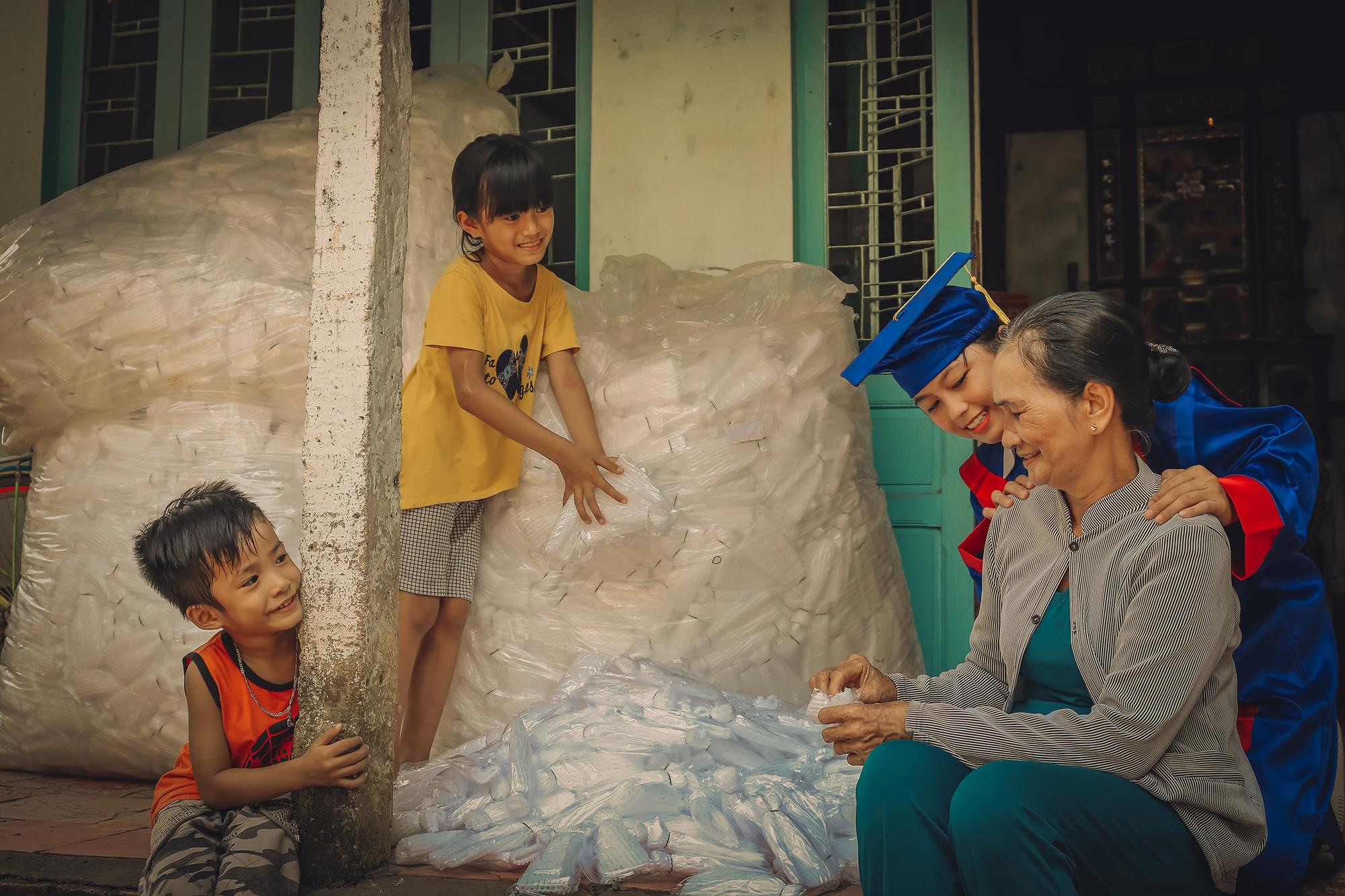 Yearbook photos celebrate poor Vietnameses parents' devotion to their children's education