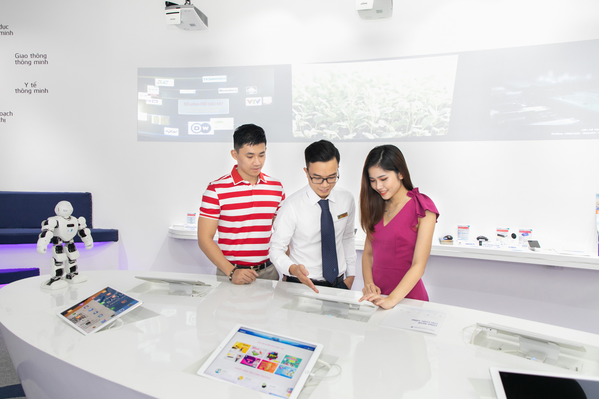 Vietnam's telecoms giant VNPT among biggest winners at IT World Awards 2020