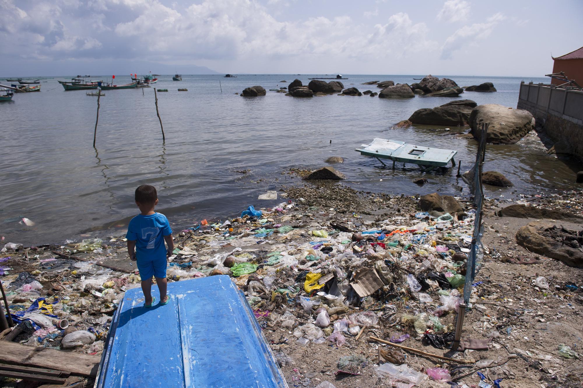 Vietnam's 'pearl island' Phu Quoc faces severe trash crisis