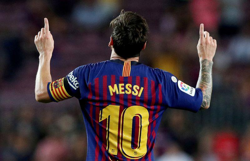 Messi reluctantly staying at Barcelona after all