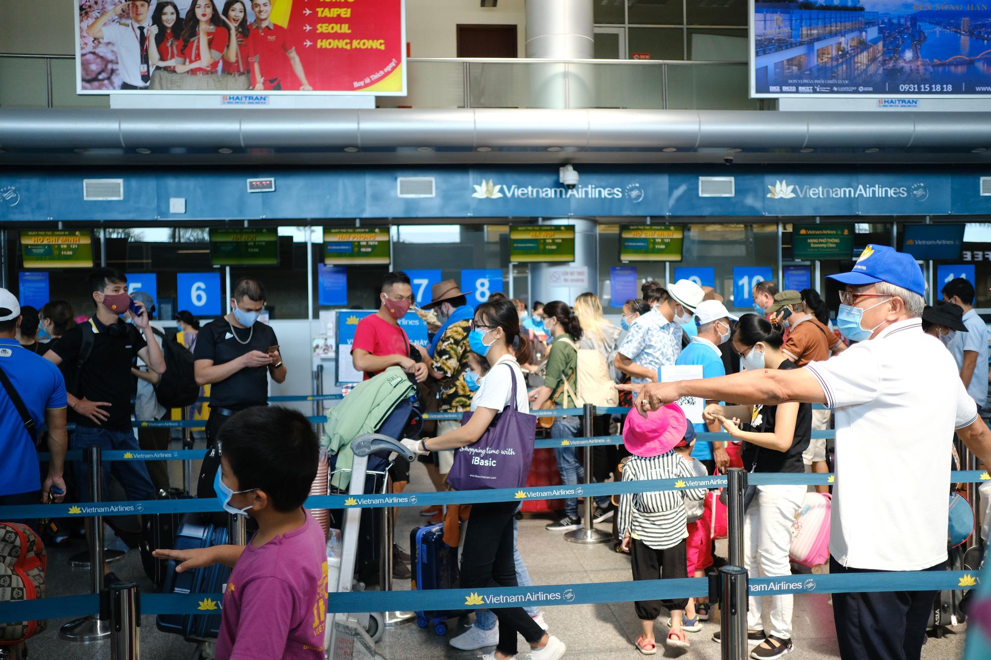 Vietnam ministry restores passenger transport to, from Da Nang