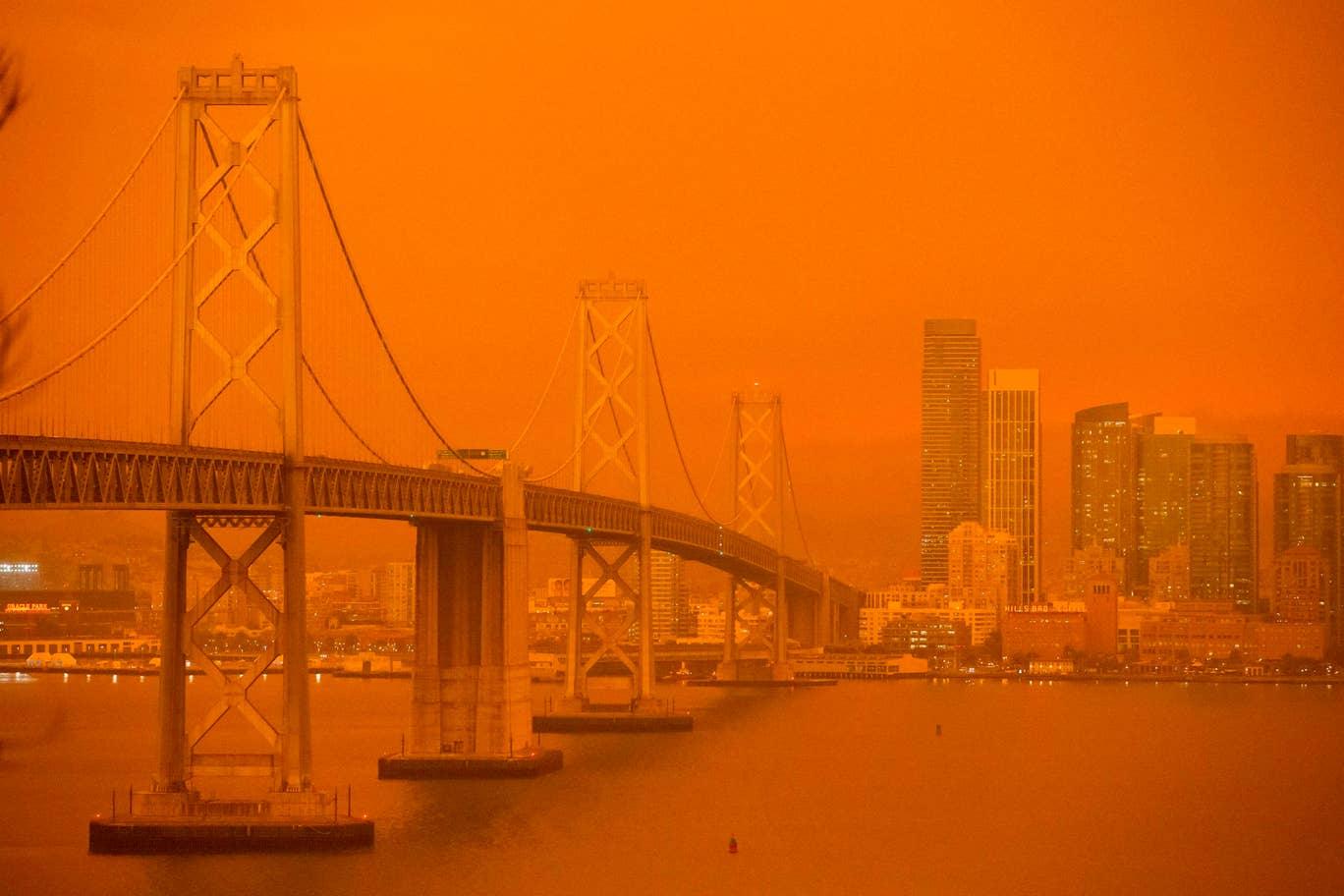Ominous orange sky gives San Francisco apocalyptic tint
