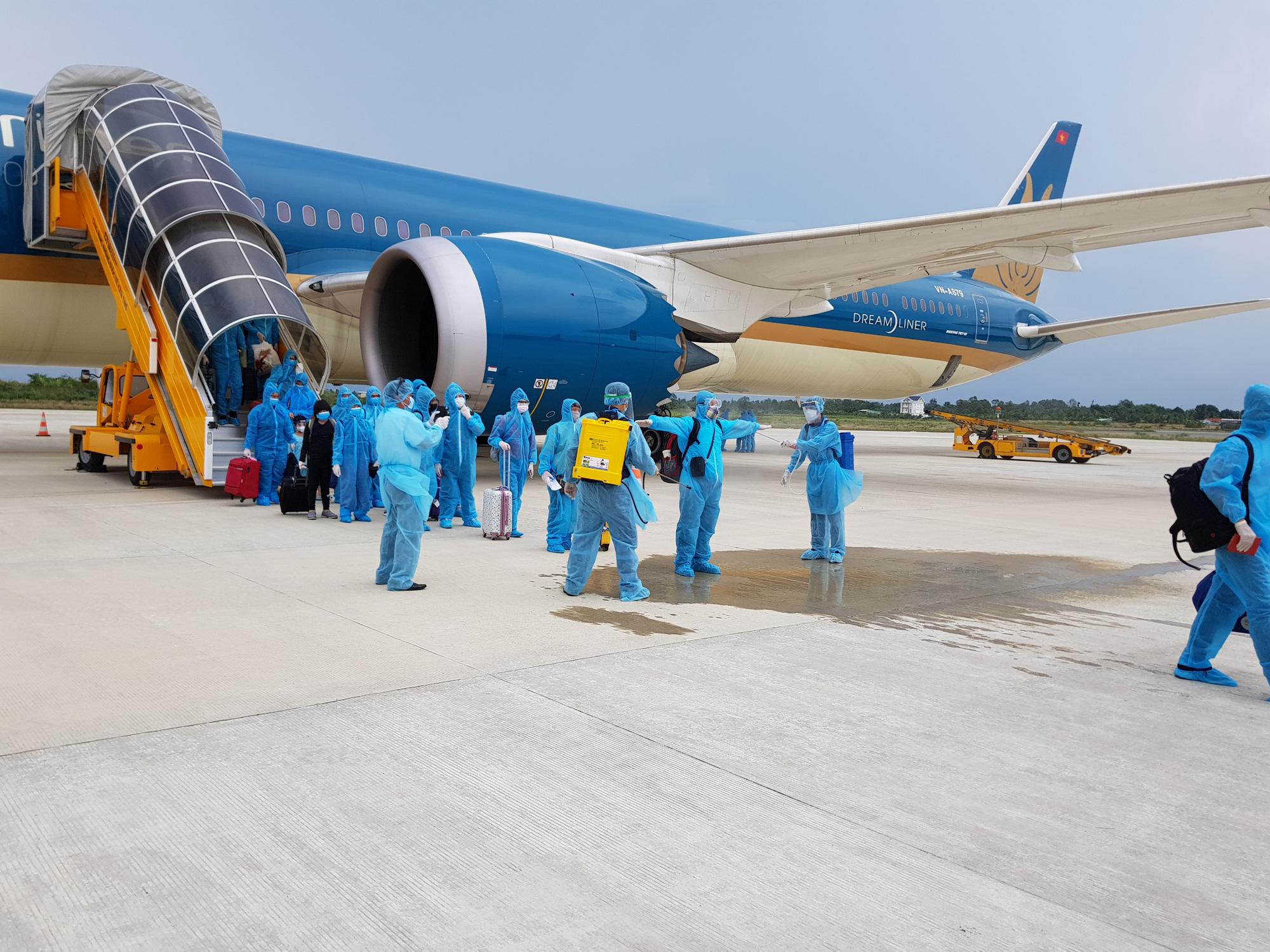 Price of COVID-19 repatriation flight can top $431,000: Vietnam Airlines
