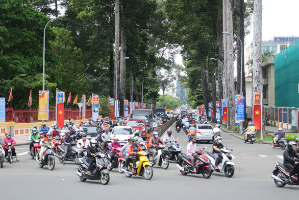 Ho Chi Minh City renames street for late general
