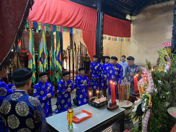 Le Van Duyet's descendants hold the 188th death anniversary of the general at the Lang Ong Ba Chieu Temple in Binh Thanh District, Ho Chi Minh City, September 16, 2020. Photo: Phuong Nam / Tuoi Tre