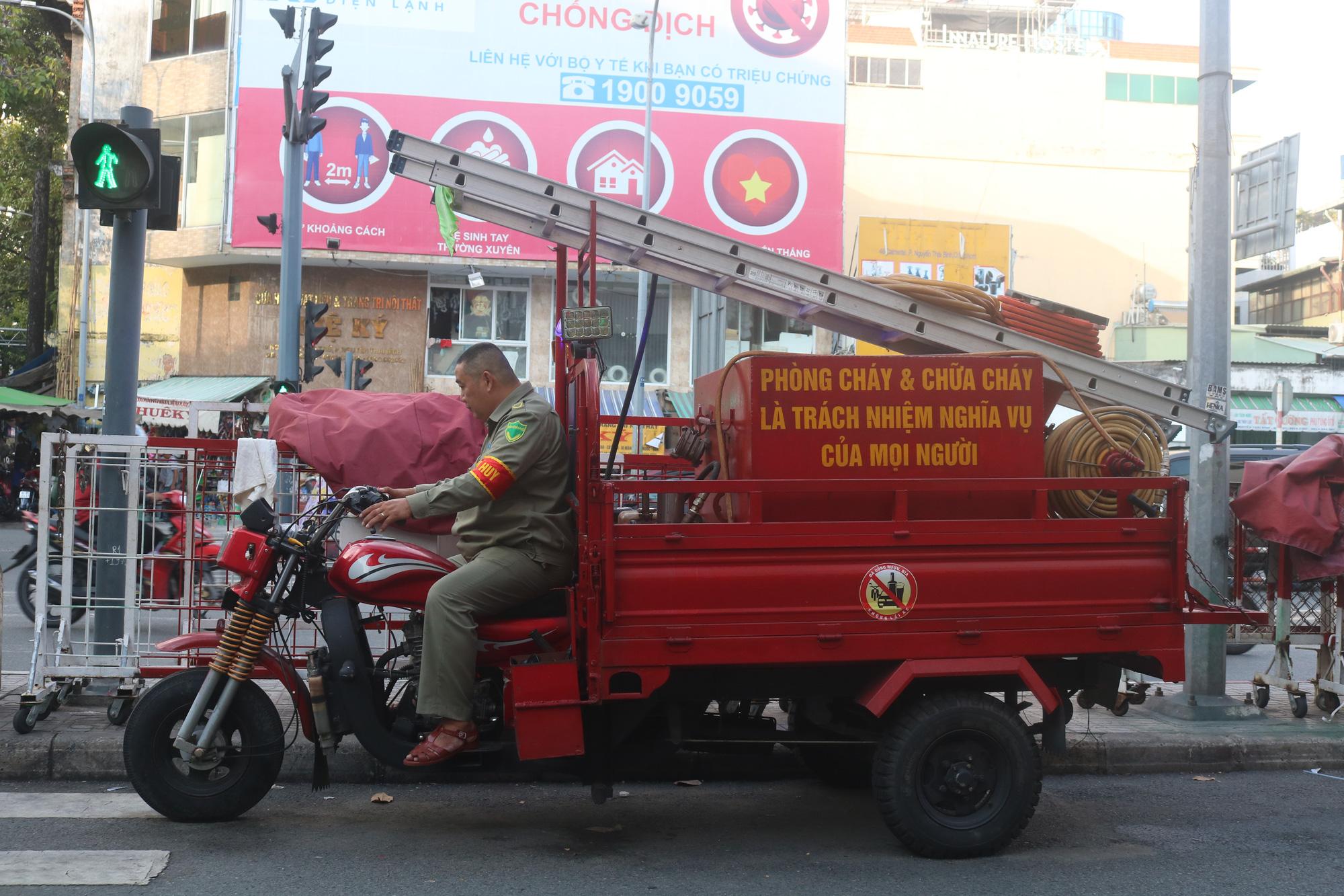 Meet creator of mini 'fire engine' designed for Saigon's narrow alleys