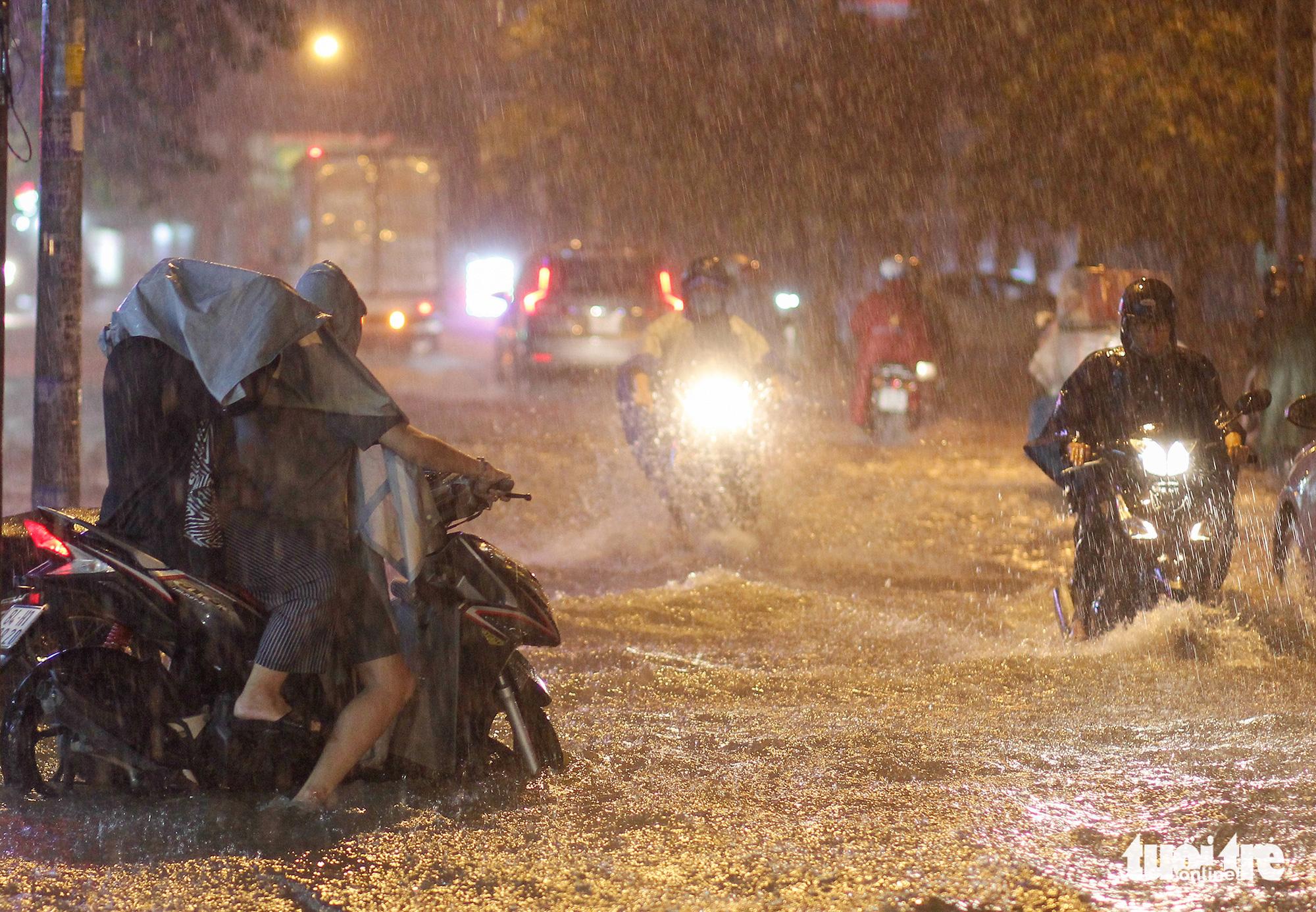 Rain to reduce in southern Vietnam as monsoon weakens