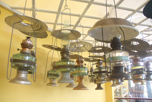 Vintage lamps are hung in the house of Pham Van Hai in the southern city of Can Tho. Photo: Chi Hanh/ Tuoi Tre