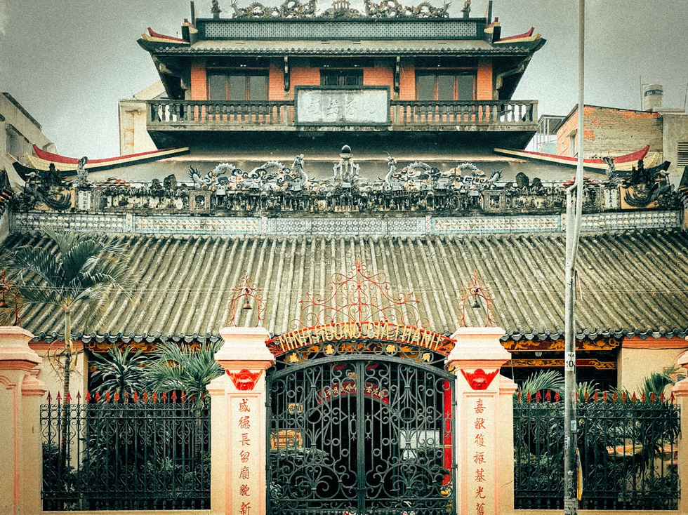 Explore three ancient Chinese guildhalls in Ho Chi Minh City