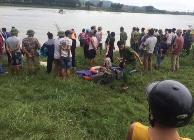 Truck driver dies for saving drowning woman in northern Vietnam