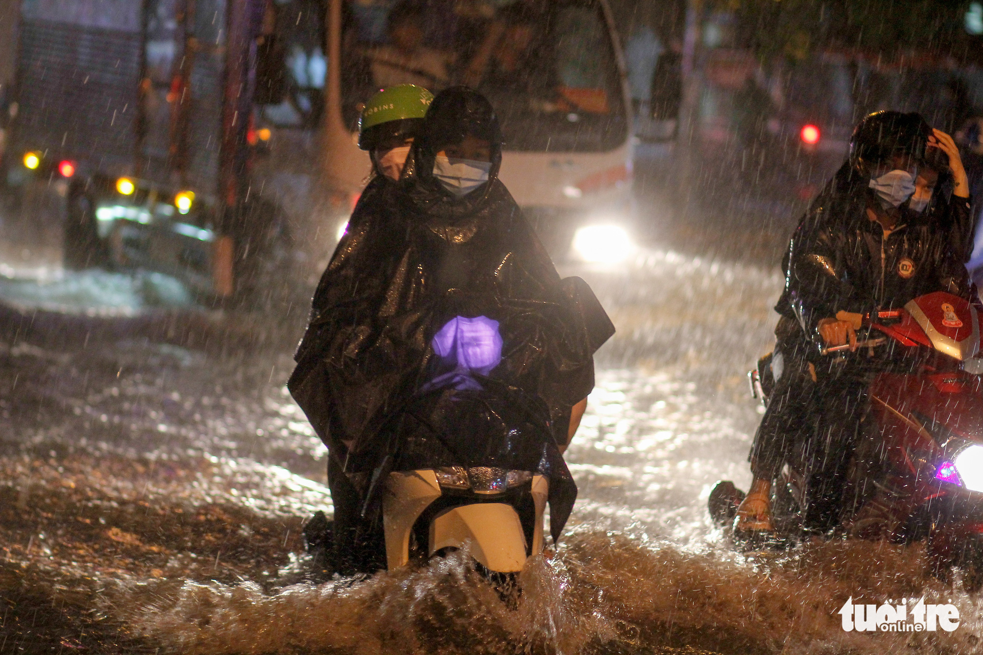 Eight storms could enter East Vietnam Sea by end of 2020
